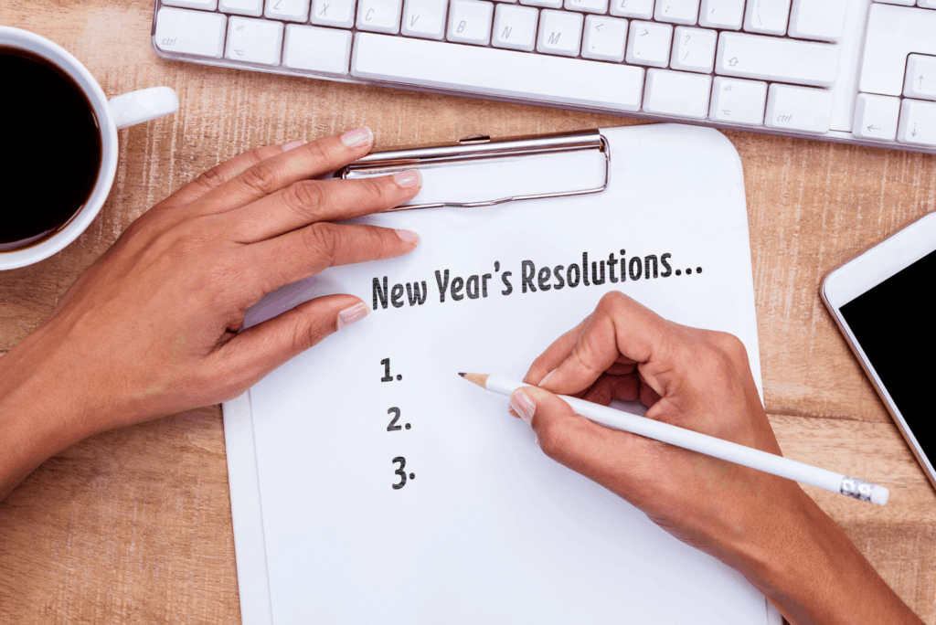 woman setting new year's resolutions